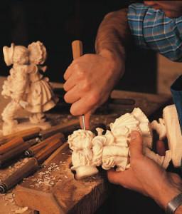 anri-carving